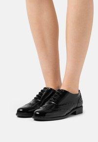 Marks & Spencer London - Zapatos de vestir - black - 5