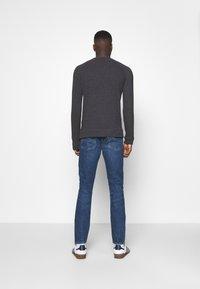 Levi's® - 512™ SLIM TAPER - Jeans slim fit - paros late knights adv - 2