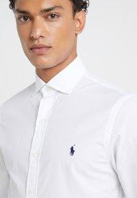 Polo Ralph Lauren - NATURAL SLIM FIT - Hemd - white - 6