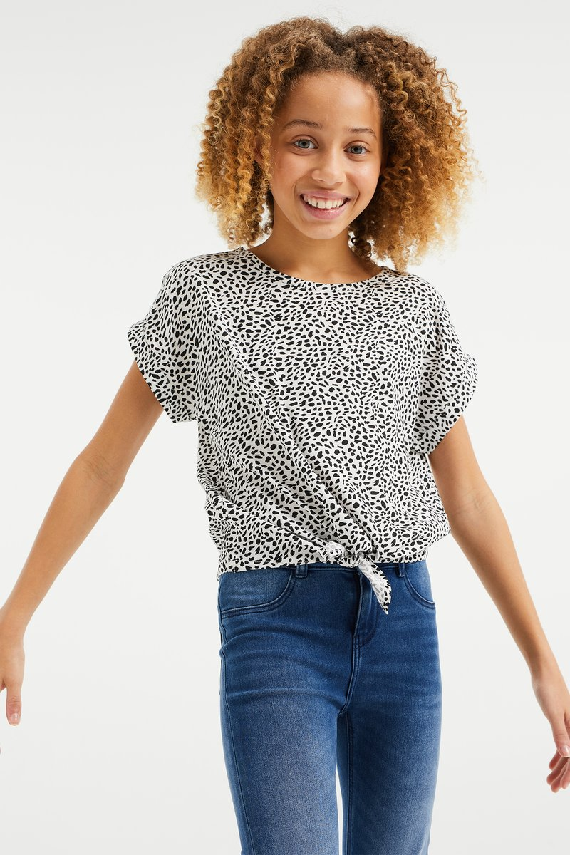 WE Fashion - MET DESSIN EN KNOOPDETAIL - Blouse - all-over print