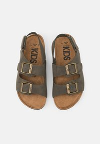 Cotton On - THEO UNISEX - Sandals - beatle green - 3