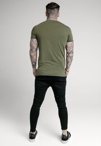 SIKSILK - SHORT SLEEVE GYM - Basic T-shirt - khaki - 2