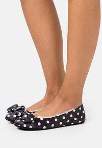 kate spade new york - MALLOW - Slippers - cream - 0