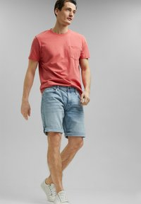 Esprit - SLIM FIT - Basic T-shirt - coral red - 1