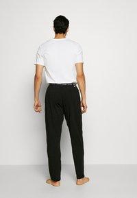 Calvin Klein Underwear - SLEEP PANT - Pyžamový spodní díl - black - 2