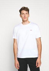 HUGO - DERO - Basic T-shirt - white - 0