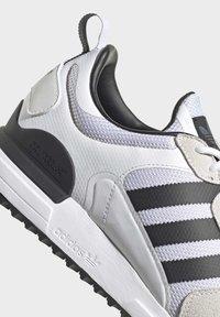 adidas Originals - SPORTS INSPIRED SHOES - Matalavartiset tennarit - ftwwht/cblack/ftwwht - 7