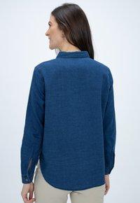 CLOSED - HAILEY - Button-down blouse - blue - 2