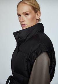 Massimo Dutti - STEP - Waistcoat - black - 0