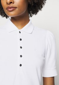 Lauren Ralph Lauren - ATHLEISURE - Pouzdrové šaty - white - 5