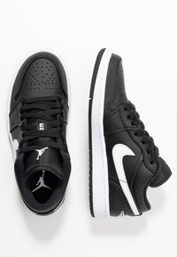 Jordan - AIR 1  - Trainers - black/white - 3