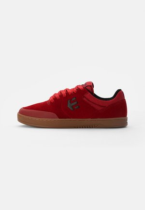 MARANA - Tenisky - red/gum