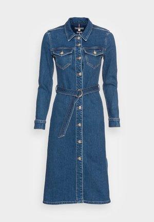 FITTED MIDI LENGTH LENY DRESS  - Denim dress - leny
