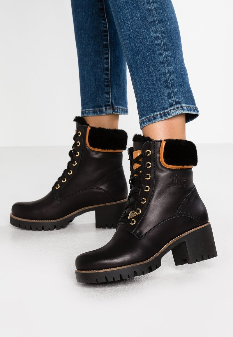 Panama Jack - PHOEBE IGLOO TRAVELLING - Lace-up ankle boots - black