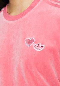 adidas Originals - Print T-shirt - hazy rose - 4