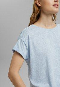 Esprit - PER COO CLOUDY - Basic T-shirt - light blue - 4