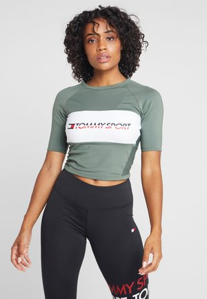 BLOCKED TEE CROPPED LOGO - T-shirt con stampa - green
