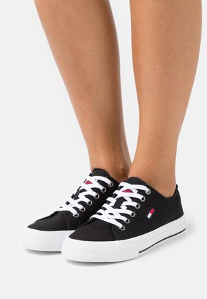 LOW CUT VULC - Matalavartiset tennarit - black