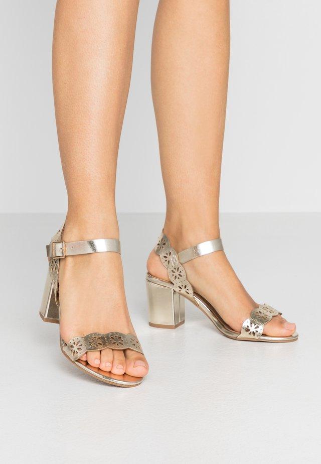 WIDE FIT SPRICE LAZER CHOP - Sandals - gold