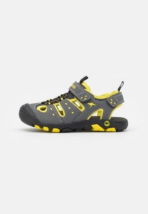 K-TREK - Walking sandals - steel grey/neon yellow