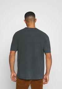 Revival Tee - PINK FLOYD SUN TEE UNISEX - Print T-shirt - black - 2