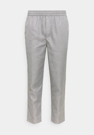 PILOU PINSTRIPED PANTS - Pantaloni - light grey melange