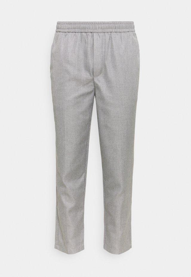 PILOU PINSTRIPED PANTS - Broek - light grey melange