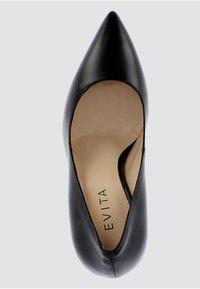 Evita - ALINA - Decolleté - zwart - 4