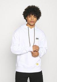 Caterpillar - SMALL LOGO HOODIE - Sweatshirt - white - 0