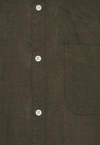 NN07 - JUSTIN - Shirt - dark army - 2