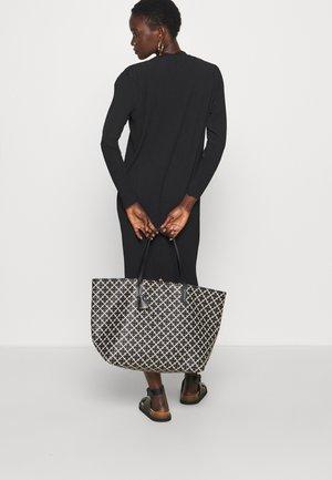 ABI TOTE - Tote bag - black