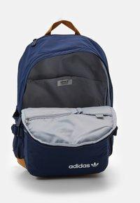 adidas Originals - MODERN UNISEX - Ryggsäck - dark blue - 2