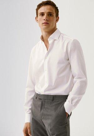 EASY IRON - Formal shirt - white