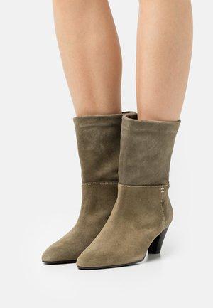 AMELIE - Classic ankle boots - kaki