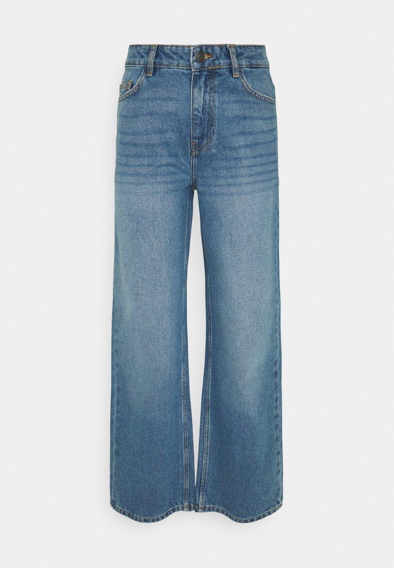 Noisy May Tall - NMAMANDA ANKLE - Straight leg jeans - medium blue denim