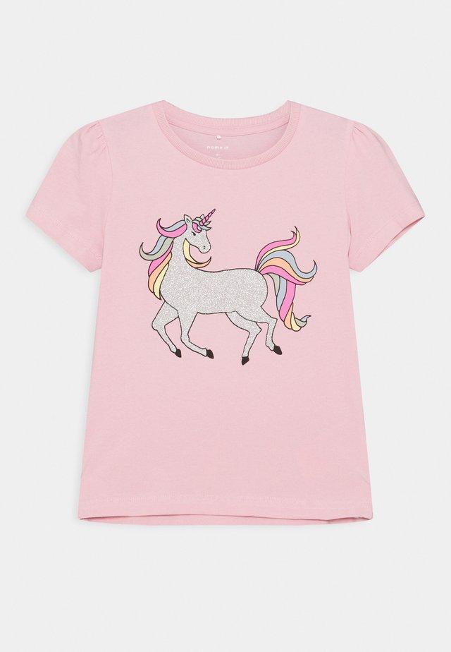 NKFBEINA - T-shirt print - pink nectar