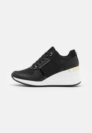 TILIARIA - Trainers - black