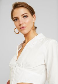 Missguided - PLUNGE CORSET STYLE SHIRT - Blouse - white - 3