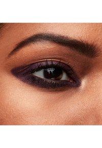 MAC - KAJAL CRAYON - Eyeliner - flourish me beautiful - 2