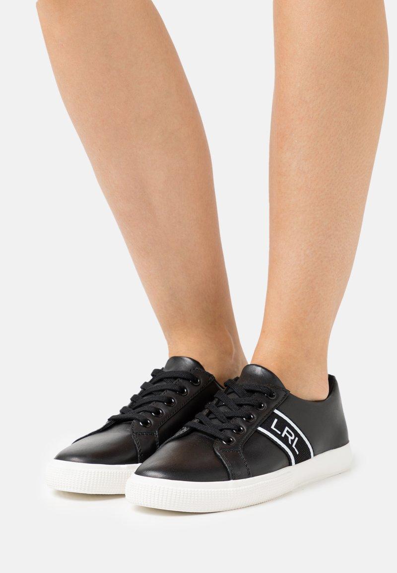 Lauren Ralph Lauren - LOGO WEBBING JANSON - Sneakers basse - black