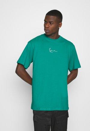 SMALL SIGNATURE TEE UNISEX - T-shirt imprimé - turquoise