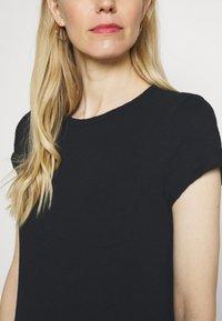 GAP - TEE DRESS - Jersey dress - true black - 5