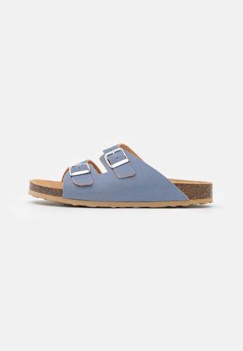 BIABETRICIA BUCKLE  - Sandaler - light blue