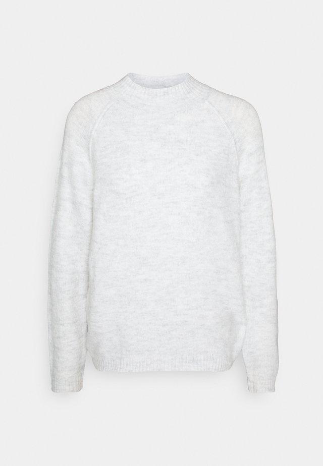 JDYROSSA HIGHNECK RAGLAN - Stickad tröja - white melange