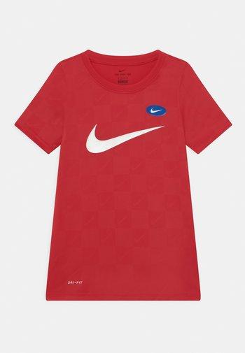 SOCCER UNISEX - Print T-shirt - university red