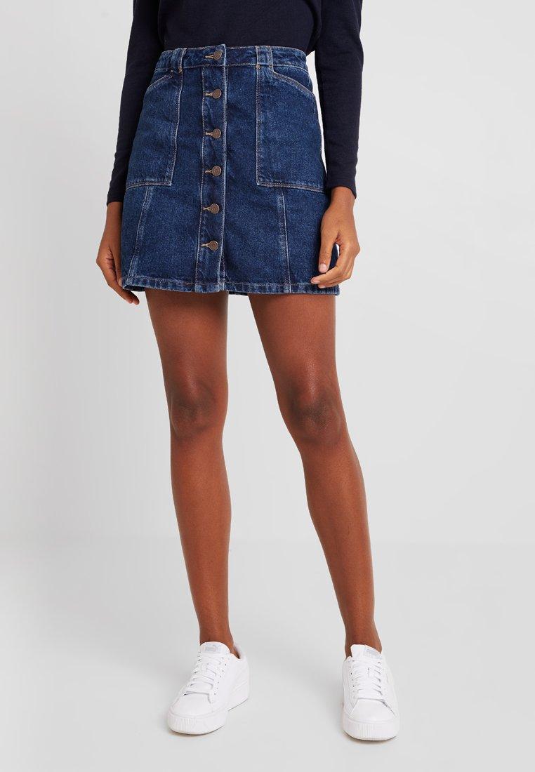 New Look - PATCH POCKETE CARAMEL  - Denim skirt - blue pattern