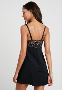 Pour Moi - OPULENCE CHEMISE - Nightie - black/pink - 2