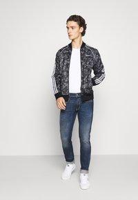 adidas Originals - GOOFY - Bomber Jacket - black/white - 1