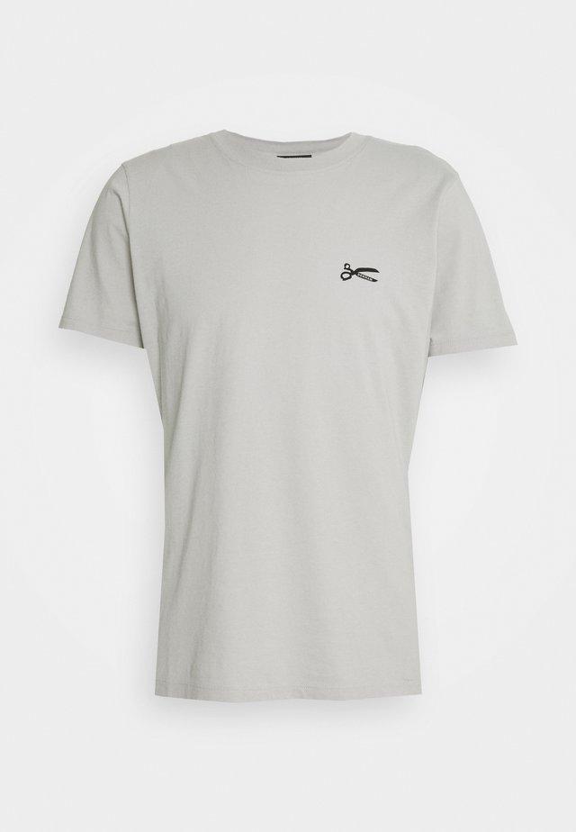 SCISSOR SLIM TEEMOJ UNISEX - T-shirt med print - steel grey