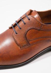 Lloyd - ORWIN - Smart lace-ups - cognac - 5